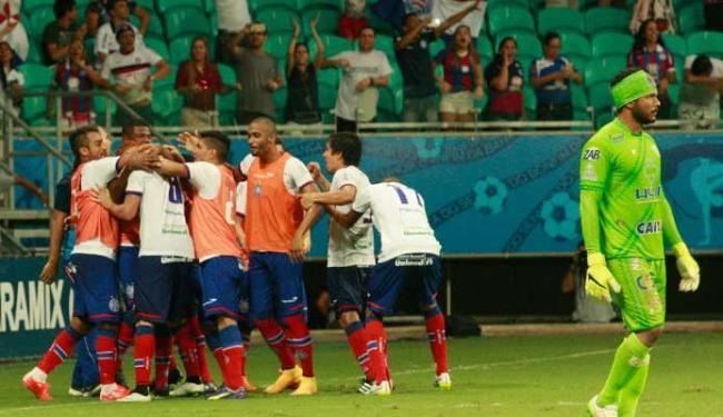Capa - Bahia goleia Conquista por 6 a 0 e é bicampeão baiano .