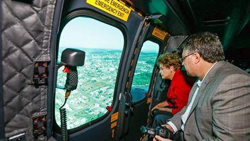 Capa - Helicóptero da Presidência Solta Fogo antes de Decolar com Dilma