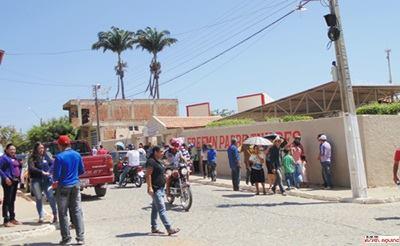 Capa - Cidade de Tavares Amanheceu Movimentada neste Domingo Quando a População Tavarense Escolhe quem Iram ser os novos Conselheiros do Telar!