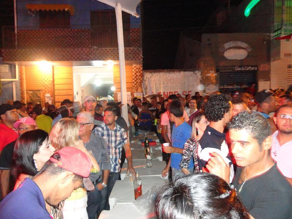 Capa - Côco de Odálio e Dr.Hermogenes Prestiginhão ao Lado do Povo de Tavares na Festa de São Miguel Arcanjo.